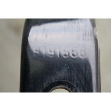 Volvo Кронштейн крепления бокового спойлера прав 8191568