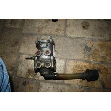 Volvo кран тормозной главный 1628491