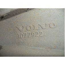 Volvo  Кронштейн реактивной тяги 21076074